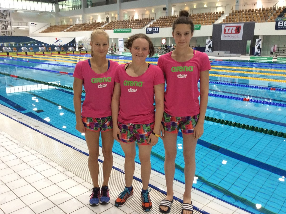 Drei sächsische Schwimmerinnen in Jugend ...